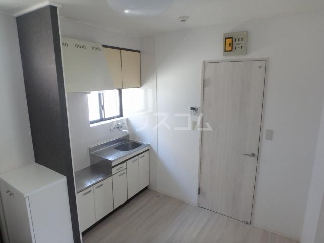 WJ・W-3ハイツ 206号室のキッチン