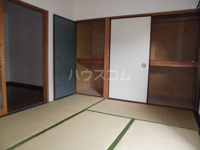 ホワイトコーポ 205号室のベッドルーム