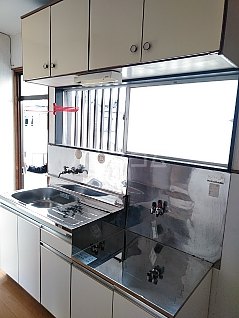 石井ハイツ 202号室のキッチン