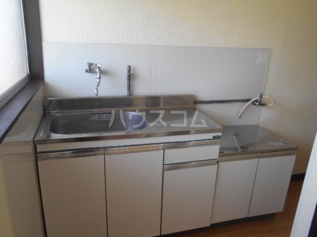 江戸川荘 203号室のキッチン