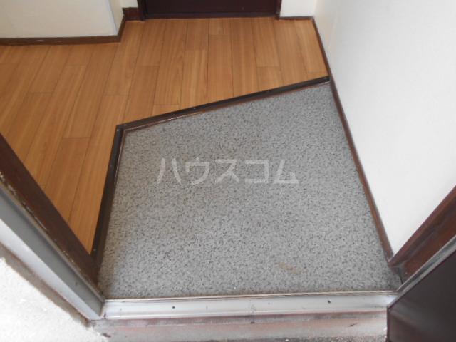 江戸川荘 203号室の玄関