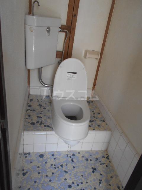 江戸川荘 203号室のトイレ