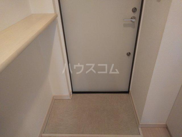 オリーブハウス 202号室の玄関