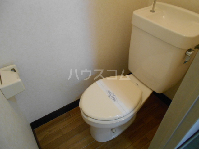 サン・リバー 202号室のトイレ