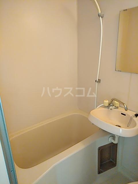 クレール日吉 301号室の風呂