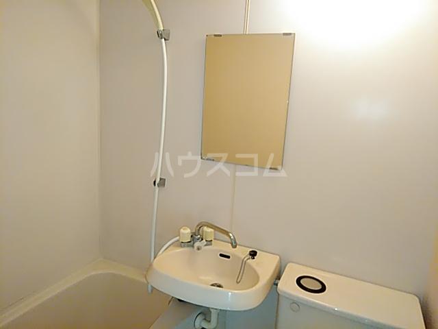 クレール日吉 301号室の洗面所