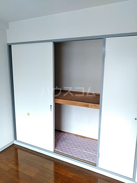 クレール日吉 301号室の収納