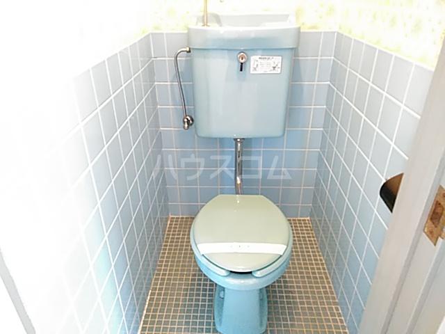 ロイヤルハイツ 401号室のトイレ