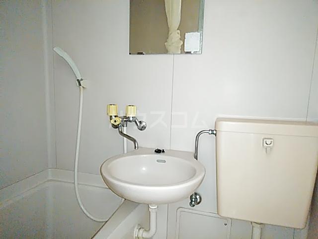 ベルポート日吉 203号室の洗面所