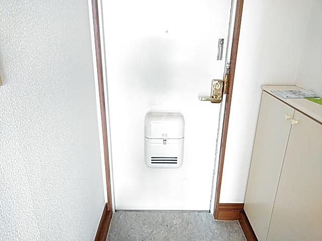 ベルポート日吉 203号室の玄関