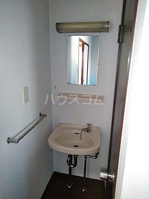 シティハイム日吉 102号室の洗面所