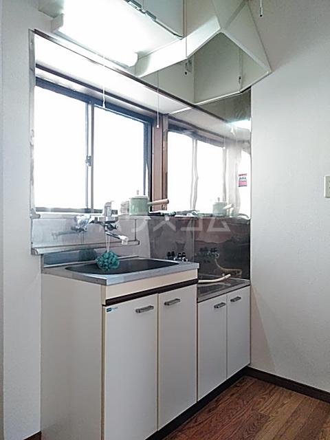 クリエイト・ハラ第一 102号室のキッチン