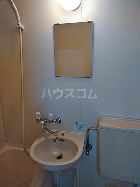 クリエイト・ハラ第一 202号室の洗面所