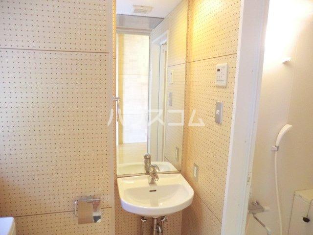 ROKA TERRAZZA 2309号室の洗面所