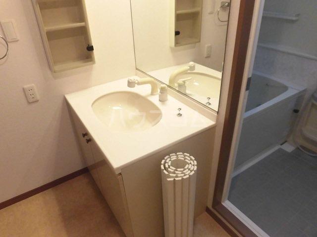 チュリス明大前 1004号室の洗面所