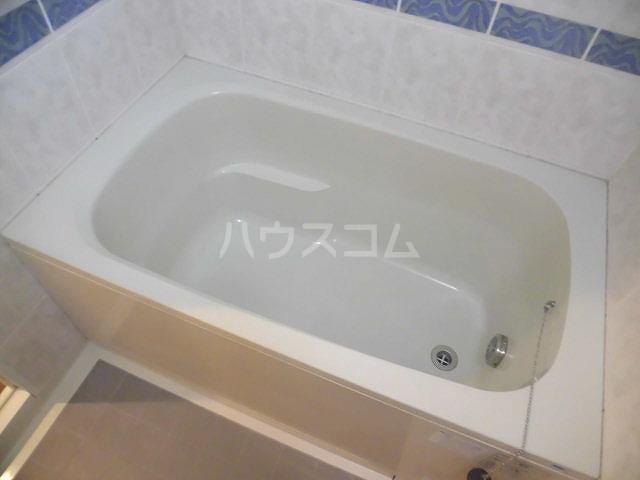 チュリス明大前 1004号室の風呂