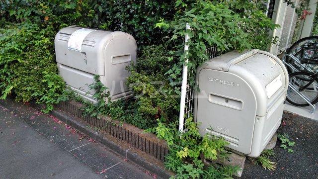 パインヒルズ仙川 207号室の庭