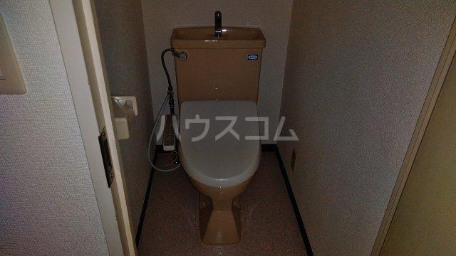 パインヒルズ仙川 207号室のトイレ