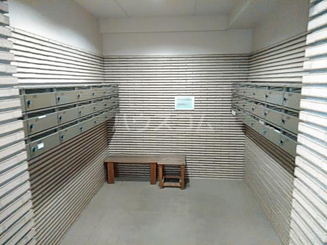 稲元ビル東伊場 401号室のエントランス