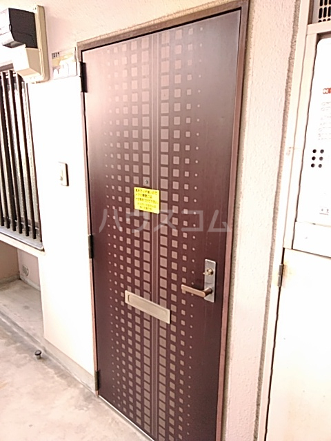稲元ビル東伊場 401号室の玄関
