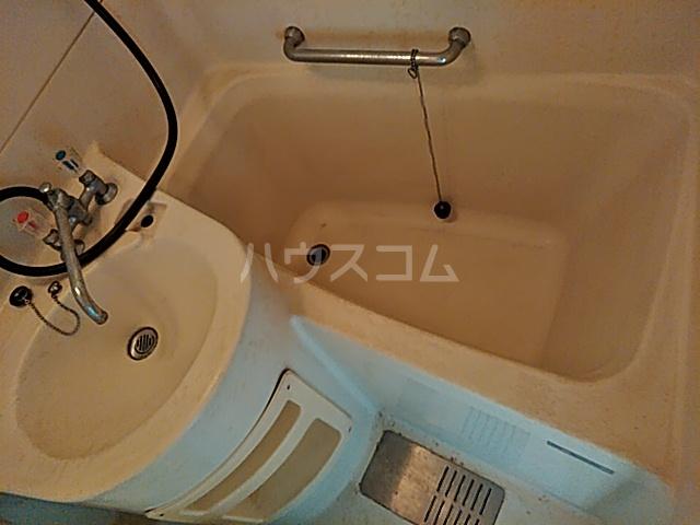 旭ハイム 201号室の風呂