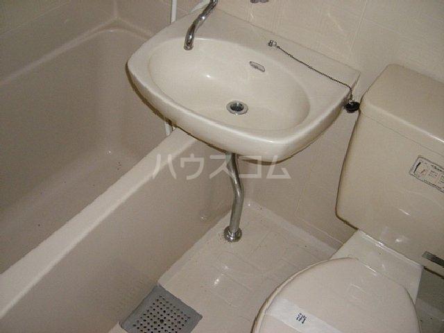 第2イズミハイツ 201号室の風呂