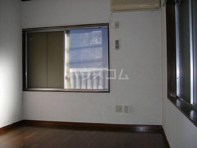 第2イズミハイツ 201号室の居室