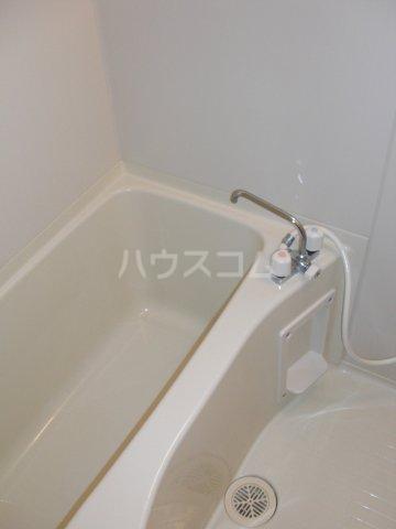 コンフォートプレイス 101号室の風呂