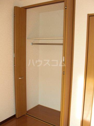 コンフォートプレイス 101号室の収納