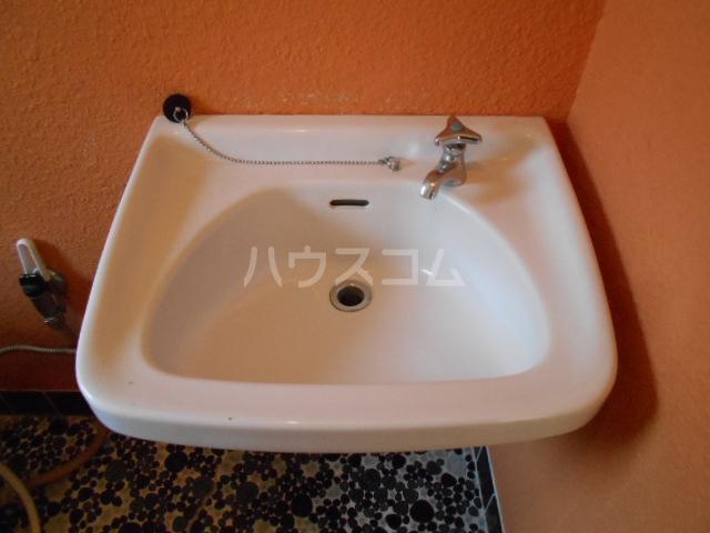 アドミラルハイツ 402号室の洗面所