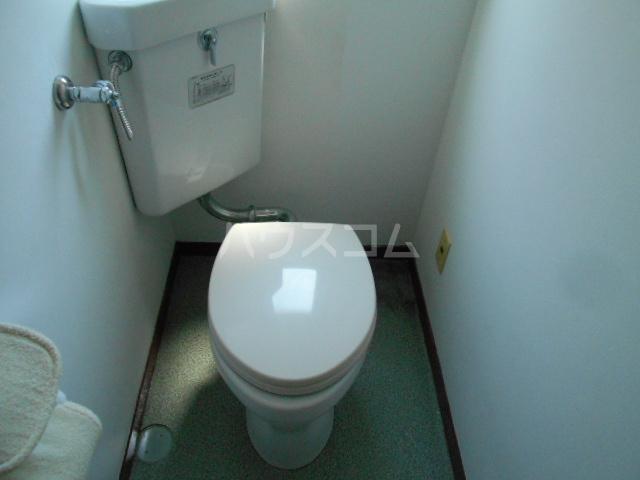 アドミラルハイツ 402号室のトイレ