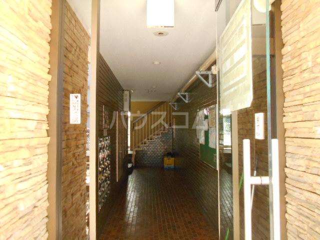 アドミラルハイツ 402号室のエントランス