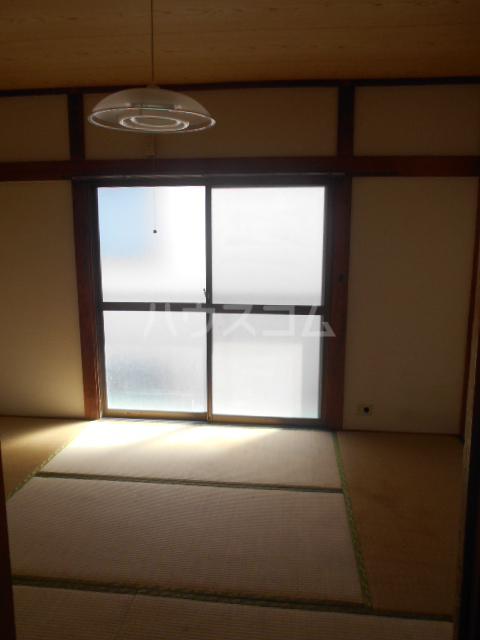 ハイライトコーポ 206号室のリビング