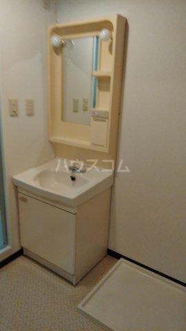 ジュネス浅間台 301号室の洗面所