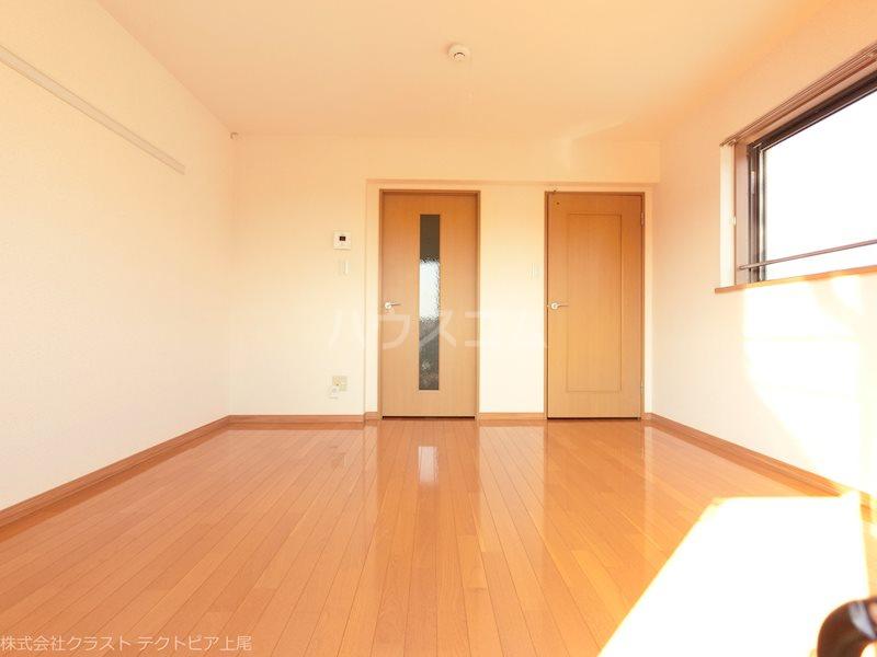 ルピナス 201号室の居室