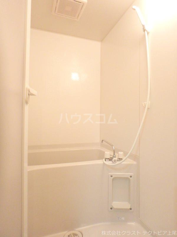 ルピナス 201号室の風呂