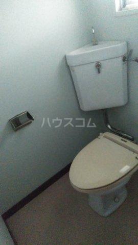 フラワーマンション 107号室のトイレ