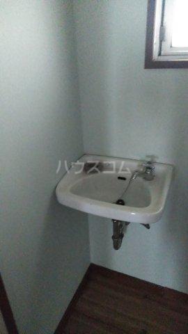 フラワーマンション 107号室の洗面所