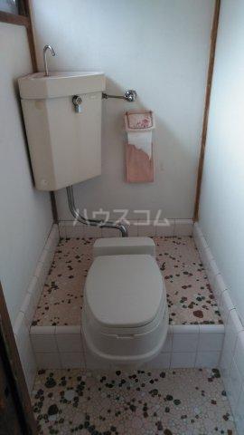 塩山貸家2号棟のトイレ