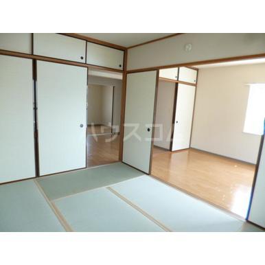 パークマンション上尾 203号室の居室