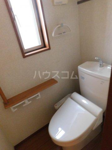 上町戸建のトイレ
