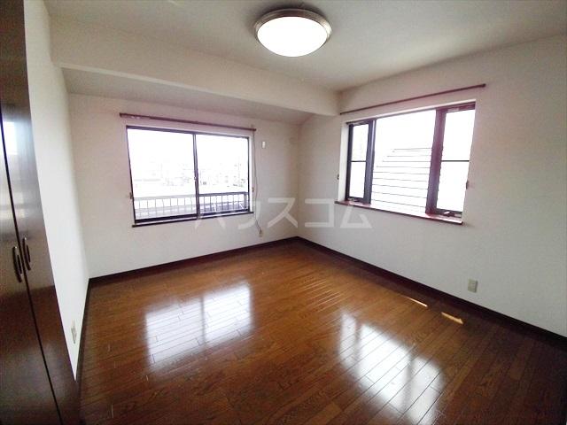 桶川西2丁目貸家の居室