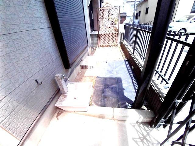 桶川西2丁目貸家の庭
