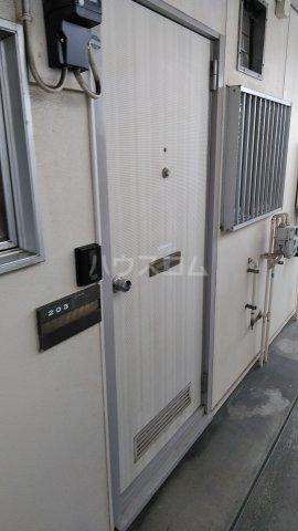 大井ハイツ 203号室の玄関