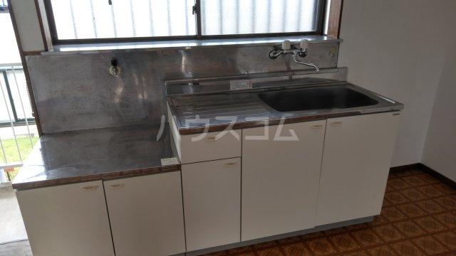 メゾン・シマムラA 201号室のキッチン
