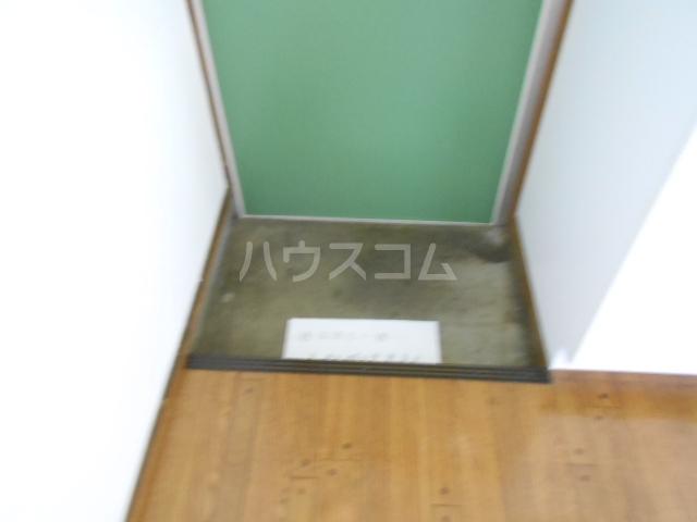 両国荘 202号室の玄関