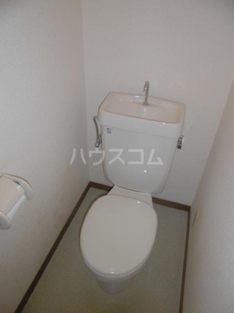 ガーデンパレスカネブン A 201号室のトイレ