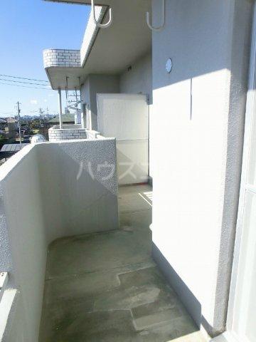 エテルノⅠ 205号室のバルコニー