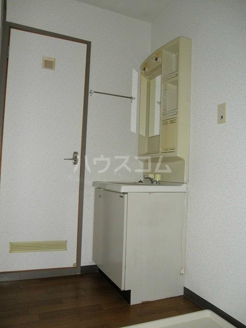 エテルノⅠ 205号室の洗面所