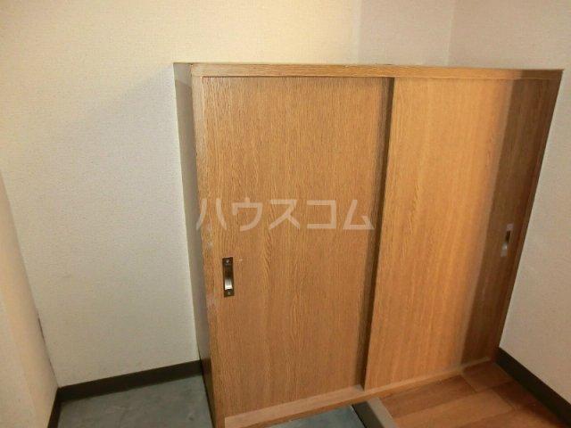 エテルノⅠ 205号室の玄関